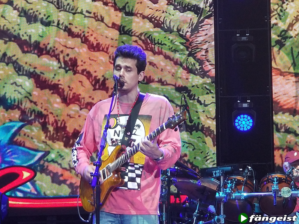John Mayer on guitar with Dead and Company June NY show Citi Field
