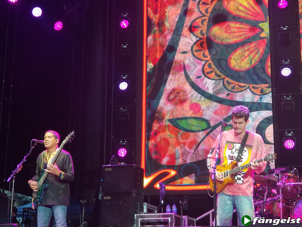 Oteil and Burbridge with Dead and Company June NY show Citi Field