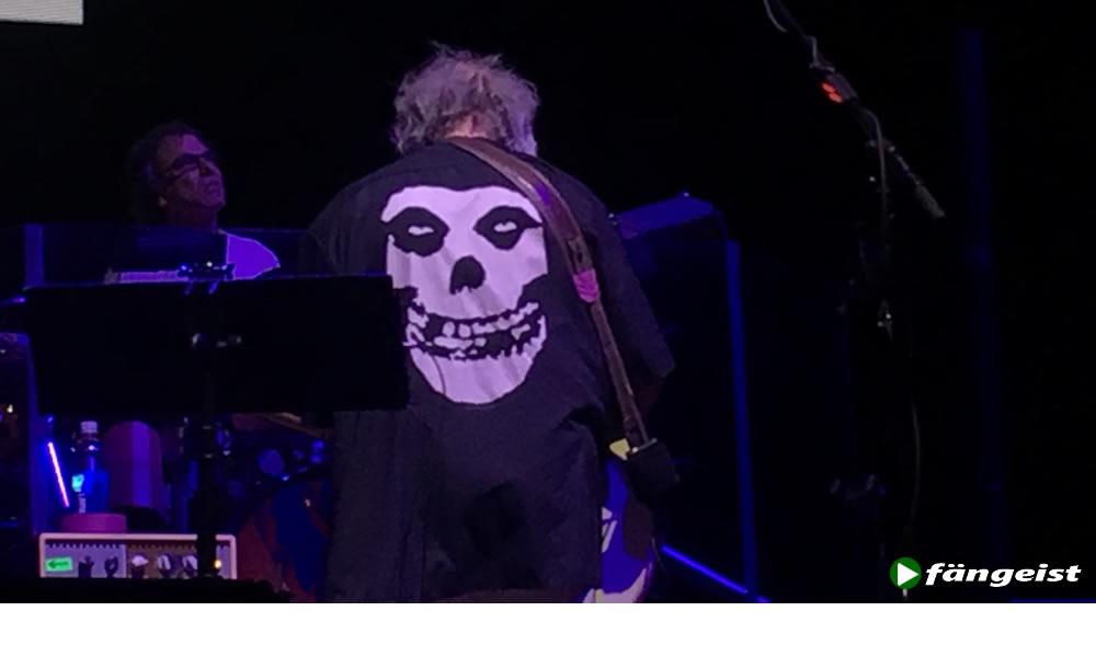 bob weir open charucki misfit shirts