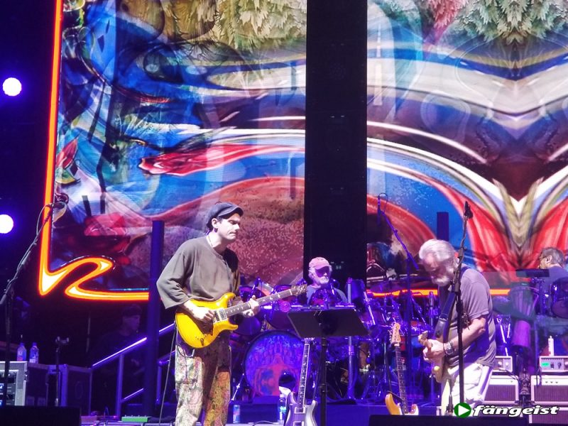 dead and company hartford 6_13_18_live_shot