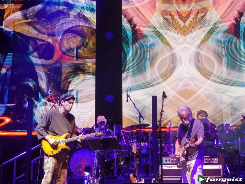 dead and company hartford 6_13_18_live_shot_2