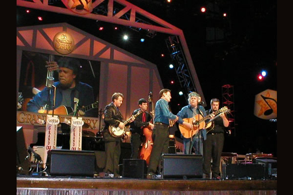 Nelson-at-the-Opry