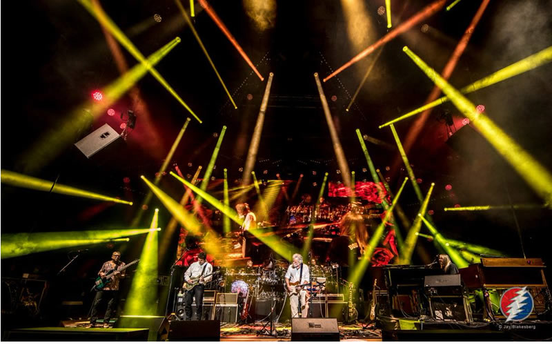 dead and company live show photo